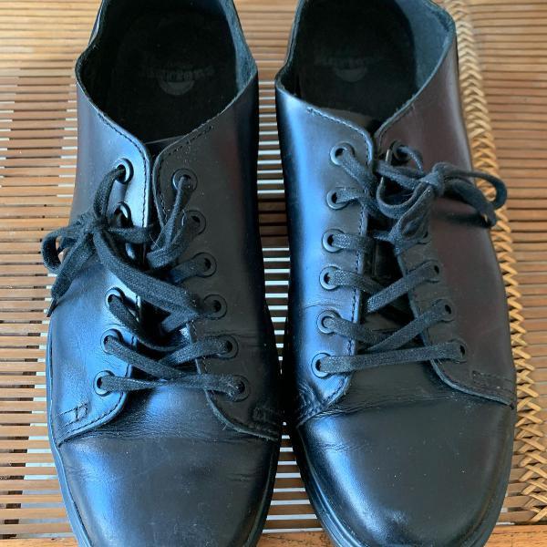 Sapato dr martens couro tam 44 comprado ha 1 ano