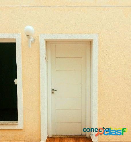 Casa em condomínio com 70 m², 2 suítes e 2 vagas no Jardim Prudência 3