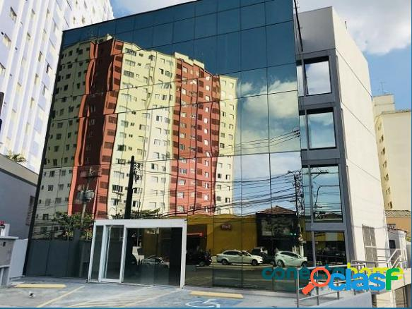 Prédio comercial com 1.201 m², 18 vagas e 2 elevadores na vila madalena