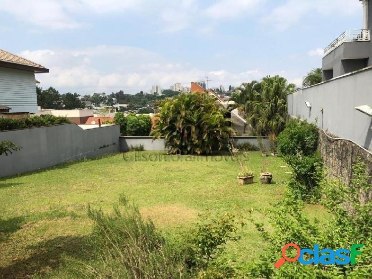 Terreno em alphaville com 597m², condomínio excelente