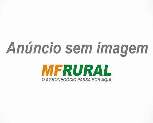 Trator Case Farmall 60 4x2 ano 83