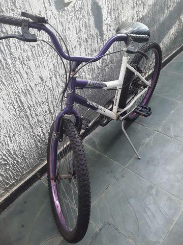 Bicicleta feminina aro 24 com marchas.