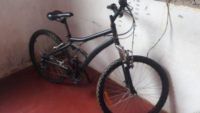 Bicicleta semi nova por r$ 250