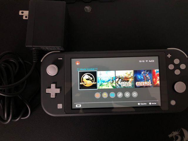 Nintendo switch lite cinza