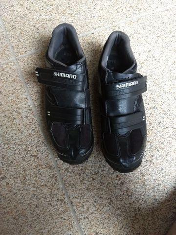 Vendo sapatilha shimano já com taquinho toda reforçada na