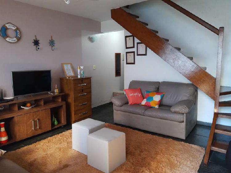 Casa duplex mobiliada ótima localização em condomínio