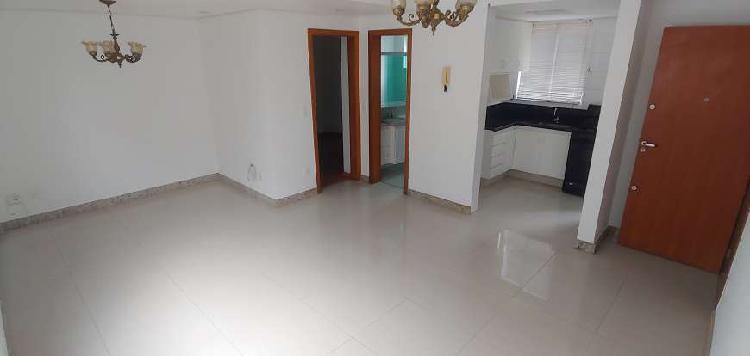 Cobertura duplex com 3 quartos, situada a 3 quadras da