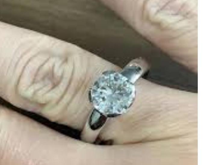 Compro jóias com brilhantes diamantes ouro prata platina