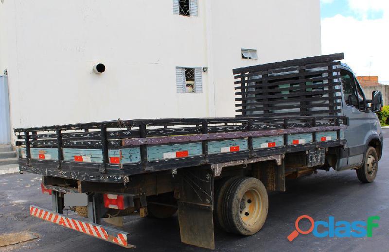 Caminhão Iveco Daily 55C17 2