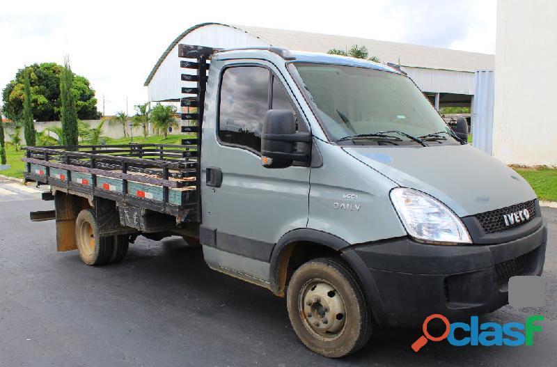 Caminhão Iveco Daily 55C17 3