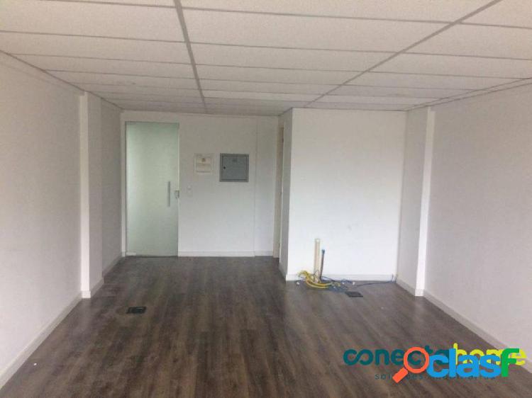 Sala comercial de 37 m² e 1 vaga na saúde
