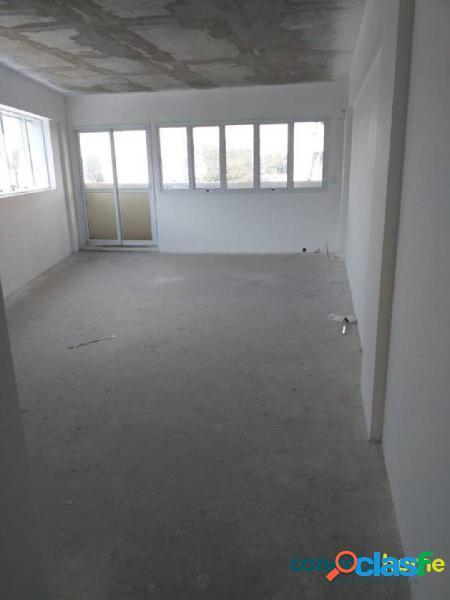 Sala comercial de 47 m² e 1 vaga na saúde