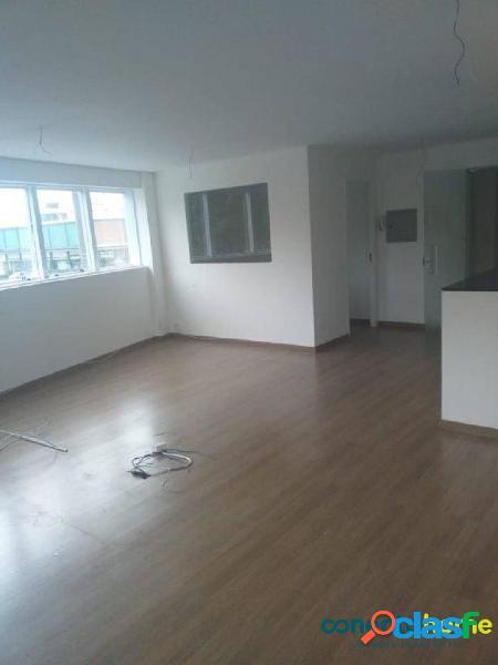 Sala comercial de 54 m² e 1 vaga na saúde