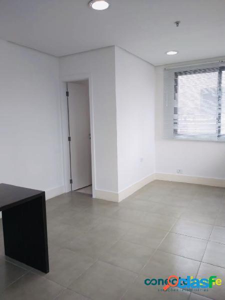 Sala comercial de 28 m², 1 banheiro e 1 vaga na vila clementino