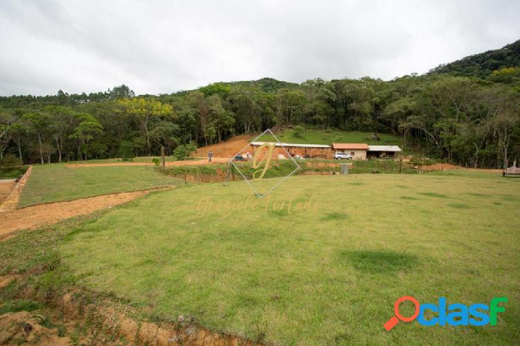 Chácara localizada fazenda de dentro município de biguaçu - sc