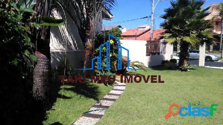 Casa com 3 Quartos à Venda, 180 m² por R$ 750.000 1