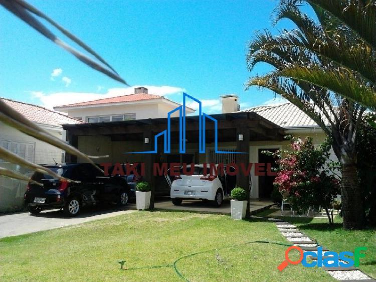 Casa com 3 Quartos à Venda, 180 m² por R$ 750.000 2
