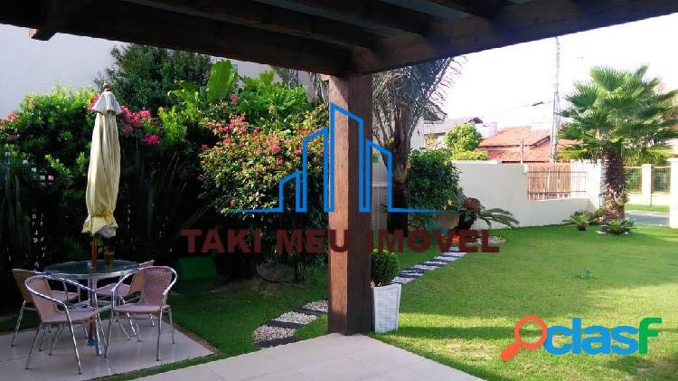Casa com 3 Quartos à Venda, 180 m² por R$ 750.000 3