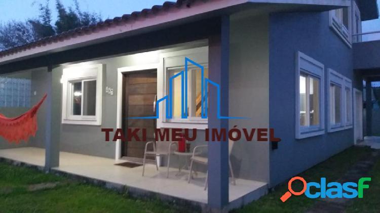 Linda casa mobiliada com acabamentos em alto padrão em praia tranquila 2