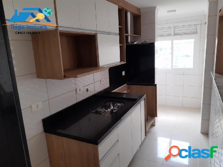 Ótimo apartamento com móveis planejados em terra preta