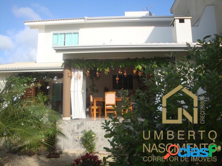 Casa em com 3 quartos à venda condomínio bairro ariribá, balneário camboriú