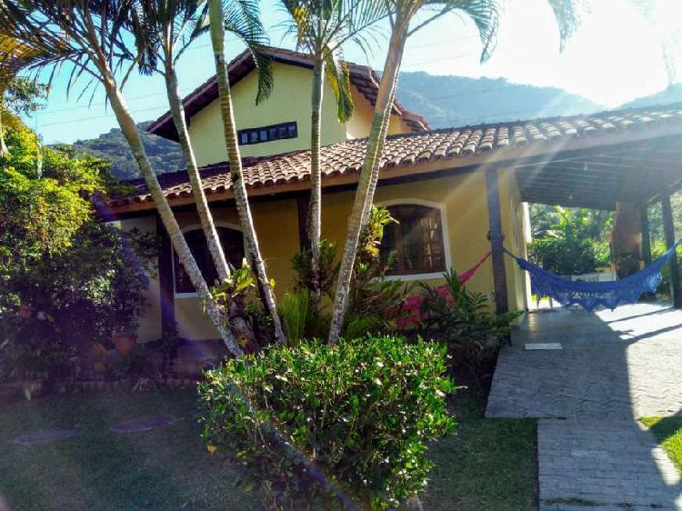 Casa em ubatuba próximo a praia mais linda do litoral norte