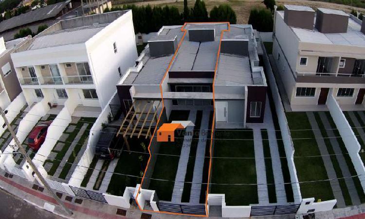Casa para venda tem 72 metros quadrados com 2 quartos