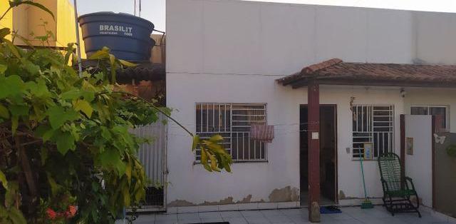 Vendo casa casa em condomínio com 2 domitórios