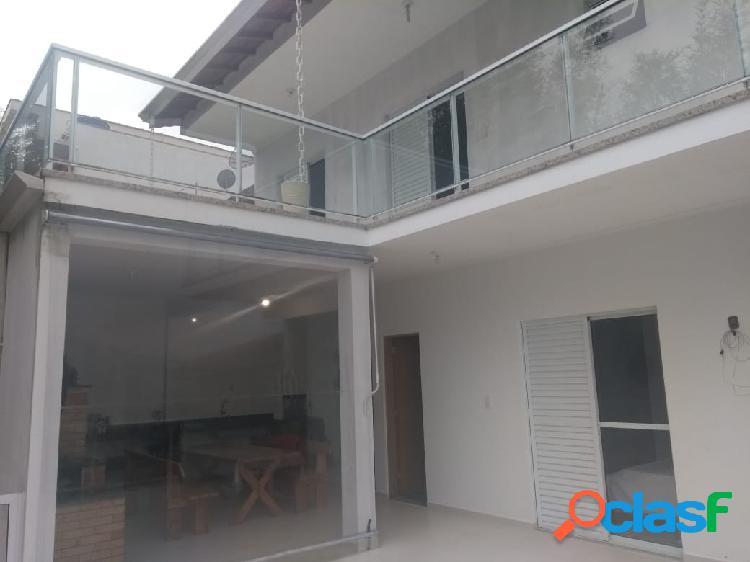 Casa no centro em nazaré paulista
