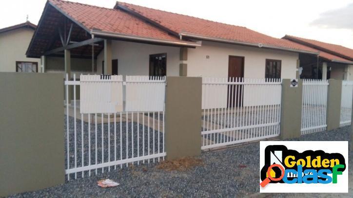 Casa de 3 dormitórios em tijucas / sc