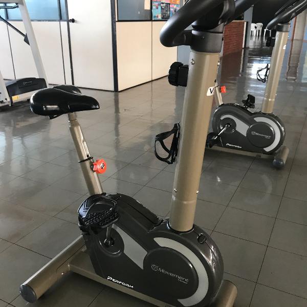 Bicicleta ergométrica marca moviment v3