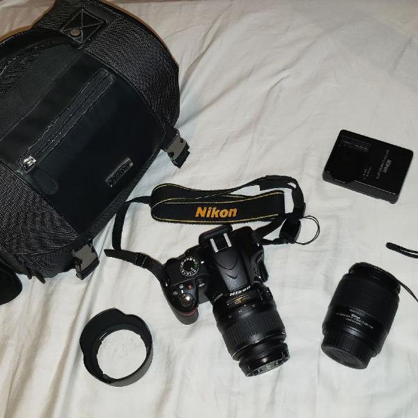 Máquina fotográfica nikon d3200 com 2 lentes, bolsa e