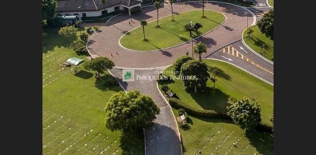 Vendo jazigo cemitério parque dos pinheiros!!