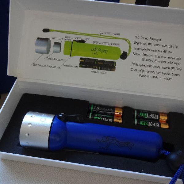 Lanterna aquática nova na caixa!