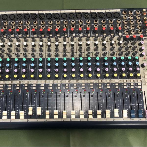 Mesa de sim soundcraft mfxi 20 efeitos lexicon