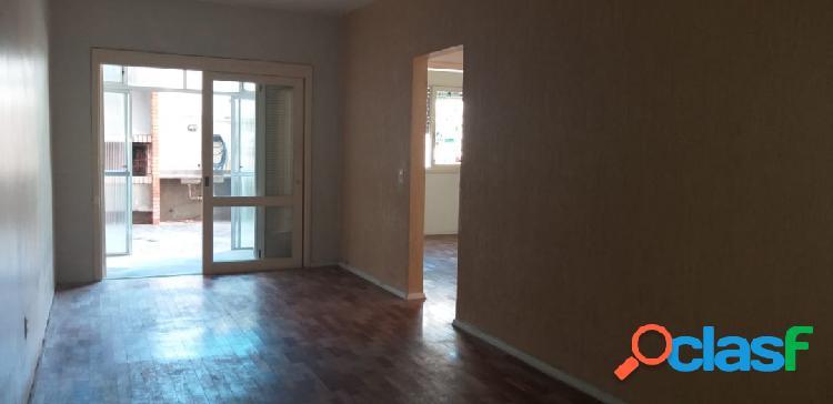 Apartamento de 2 dormitórios, 2 vagas, garden, térreo e churrasqueira