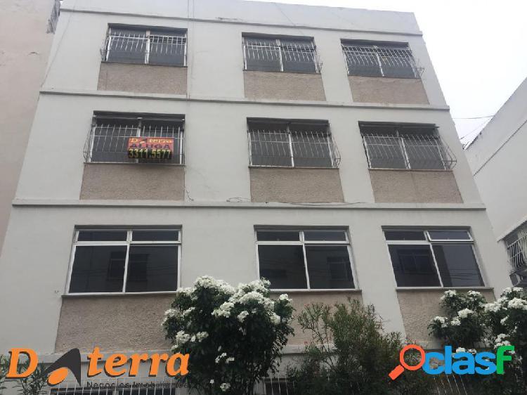 Aluga apartamento três quartos itapuã