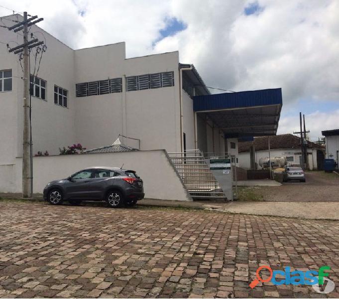 Vende se pavilhão industrial 4.769,08m2 próprio para indústria ou CD de Empresas.
