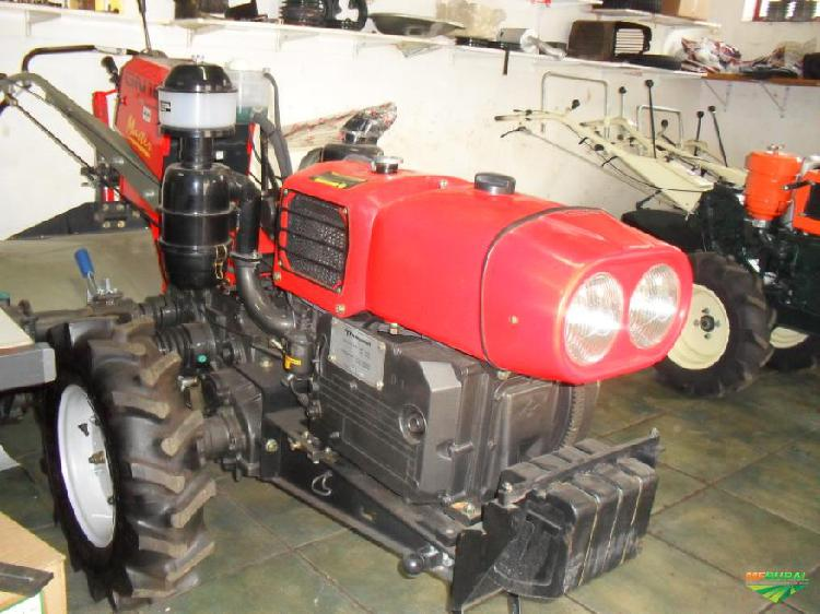 Trator tobata mini/micro 4x2 ano 20