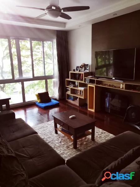 Apartamento com 3 dormitórios, suíte e duas vagas, de frente