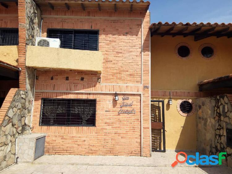 Se vende townhouse en la entrada del pueblo de san diego 218 m2