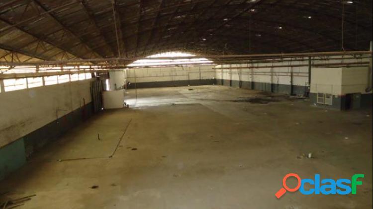 Galpão p/ locação área de 7.470m² industrial fazendinha santana de parnaíba
