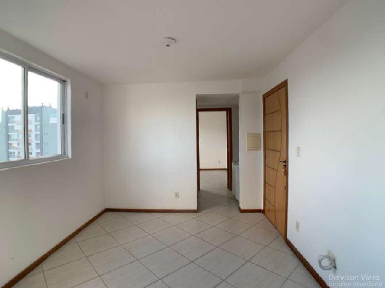 Apartamento 1 dormitório com elevador no centro!