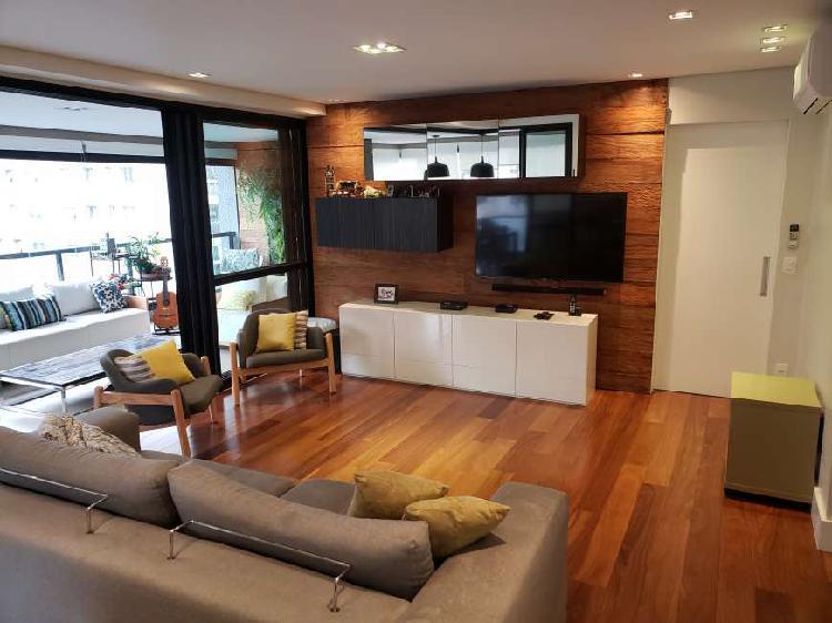 Apartamento para venda com 184 metros quadrados com 4