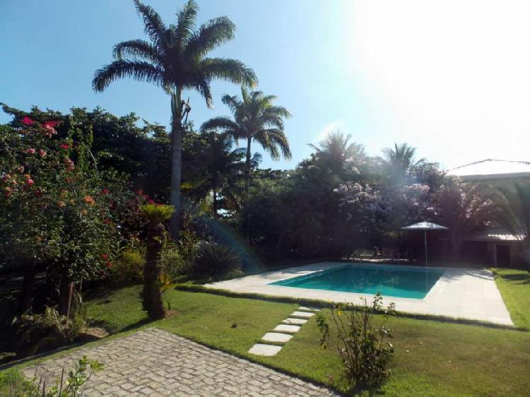 Casa de condomínio para venda com terreno de 1800 m2.