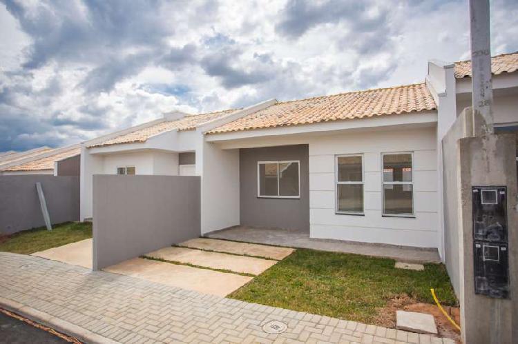 Casas em condomínio para venda com 2 quartos