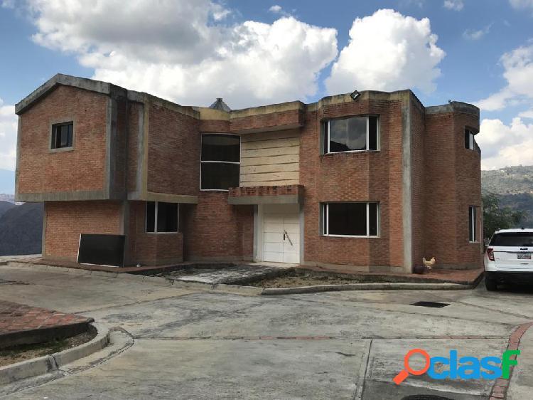 Venta de casa en la urbanización maziso de caicaguana, el hatillo. (782 m2)