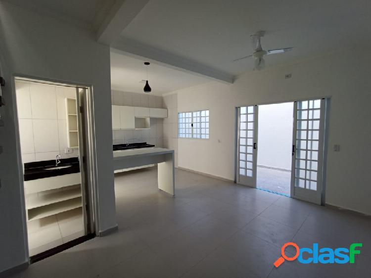 Sobrado condomínio-2 suites- ótimo local- 300m mar- cibratel- itanhaém sp