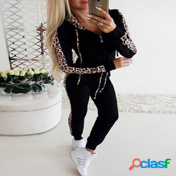 Macacão com capuz e mangas compridas de retalhos de leopardo preto design
