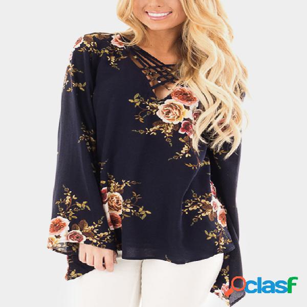 Navy crossed front design blusa de mangas de sino com estampa floral aleatória